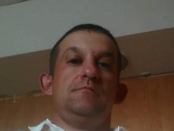 attila40 42 éves társkereső profilképe