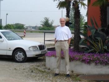 ANONYMUS 76 éves társkereső profilképe