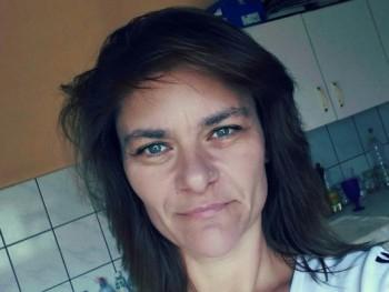 Mónika Vers 43 éves társkereső profilképe
