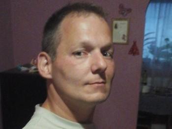 Robert20 37 éves társkereső profilképe