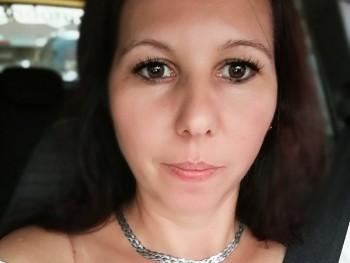 klára 44 éves társkereső profilképe