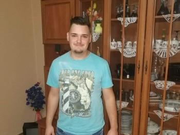csaba1997 23 éves társkereső profilképe