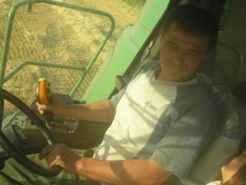 István Iradab 49 éves társkereső profilképe