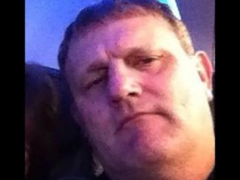 Joseph 54 éves társkereső profilképe