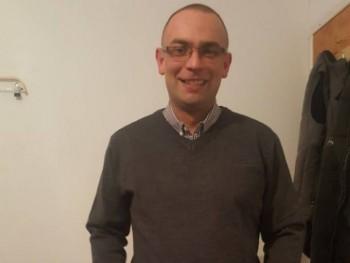 Cseszka90 29 éves társkereső profilképe
