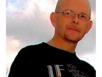 Csak Tibi 50 éves társkereső profilképe