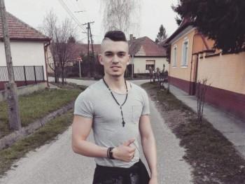 Milanhenci1 27 éves társkereső profilképe