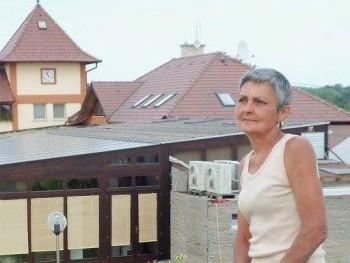 Marika 65 éves társkereső profilképe
