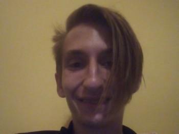 Levente0120 19 éves társkereső profilképe