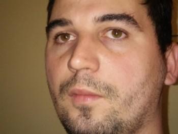 domszabi 27 éves társkereső profilképe