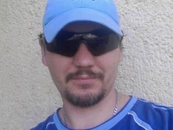 Szabolcs 35 éves társkereső profilképe