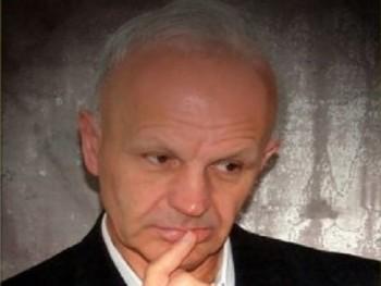 Dretele 70 éves társkereső profilképe
