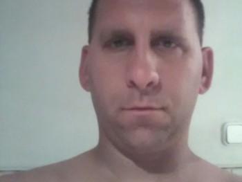 molnár Balázs 35 éves társkereső profilképe