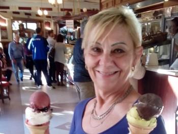Perlanegra 60 éves társkereső profilképe