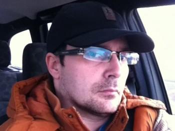 csab 37 éves társkereső profilképe