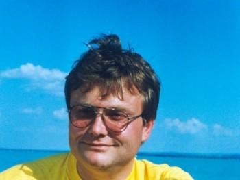 hepta 54 éves társkereső profilképe