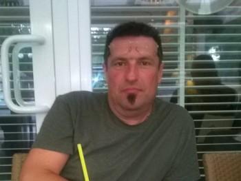 L4ccer 49 éves társkereső profilképe