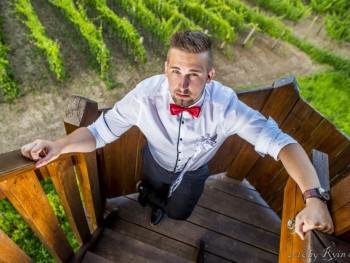 Adam90 31 éves társkereső profilképe