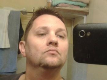 crosby87 40 éves társkereső profilképe