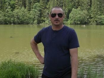 kovi 44 éves társkereső profilképe