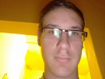 attila20020805 18 éves társkereső profilképe