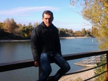 István11 56 éves társkereső profilképe