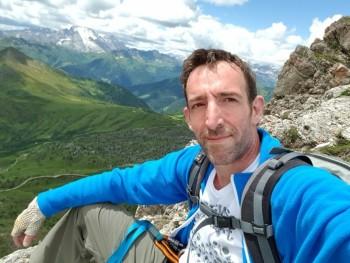 András08 44 éves társkereső profilképe