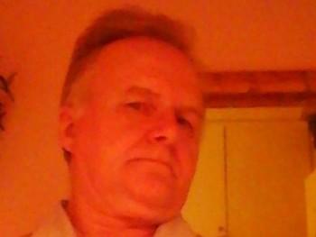 Lacakanak 55 éves társkereső profilképe