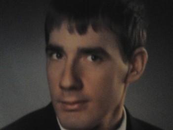 urbangabor 26 éves társkereső profilképe