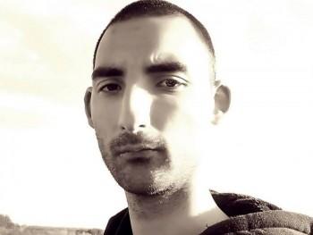 dobos 30 éves társkereső profilképe