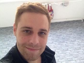 Pitorrr 33 éves társkereső profilképe