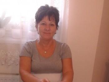 herczeg judit 54 éves társkereső profilképe