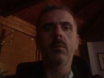 toto 51 éves társkereső profilképe