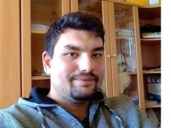 Spinell 30 éves társkereső profilképe