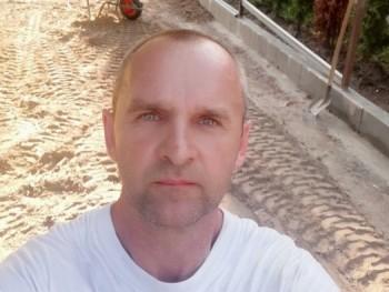 János69 51 éves társkereső profilképe