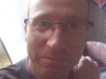 Jónás István 40 éves társkereső profilképe