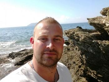 Zoltán 86 34 éves társkereső profilképe