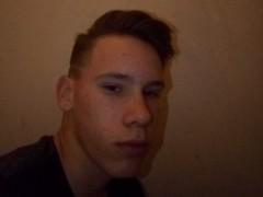 devid18 - 20 éves társkereső fotója