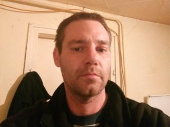 Dávid Meszar 40 éves társkereső profilképe