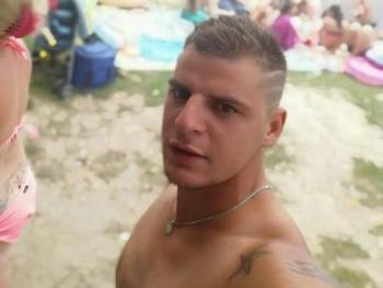 Atis27 28 éves társkereső profilképe