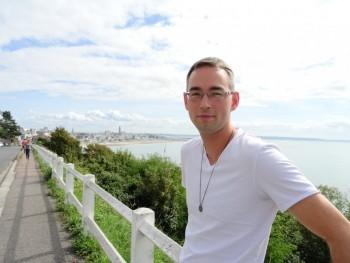 illuvision 39 éves társkereső profilképe