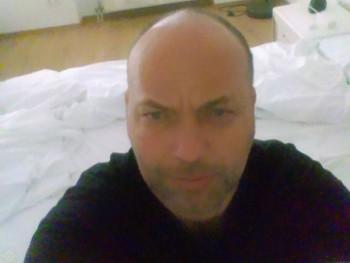 Fenyő 45 éves társkereső profilképe
