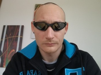 janek 36 éves társkereső profilképe