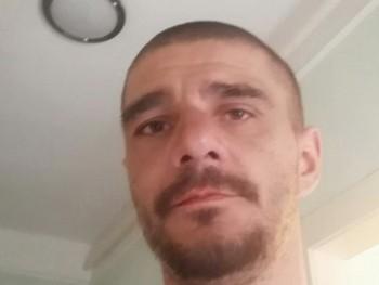 Vass Béla 40 éves társkereső profilképe