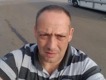 JGábor 42 éves társkereső profilképe