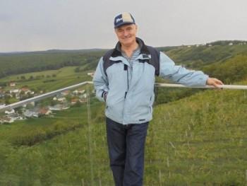 Joschi 65 éves társkereső profilképe