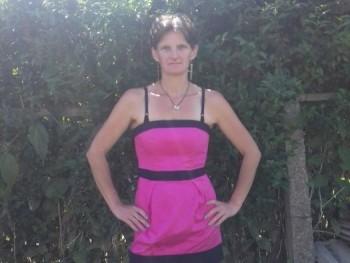 Erzsebet 40 éves társkereső profilképe