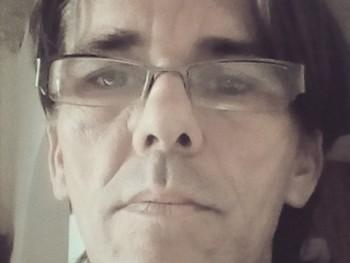 kryssz 42 éves társkereső profilképe