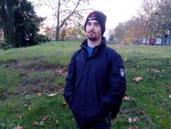 Peti2000 21 éves társkereső profilképe