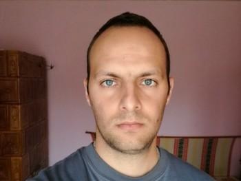 jozs 29 éves társkereső profilképe